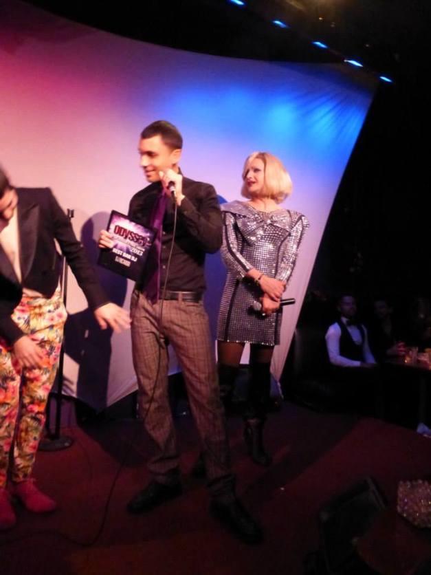 DJ Ricardo accepting the award